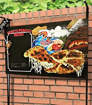 店舗外のメニュー看板をチョークアートでオリジナル作成